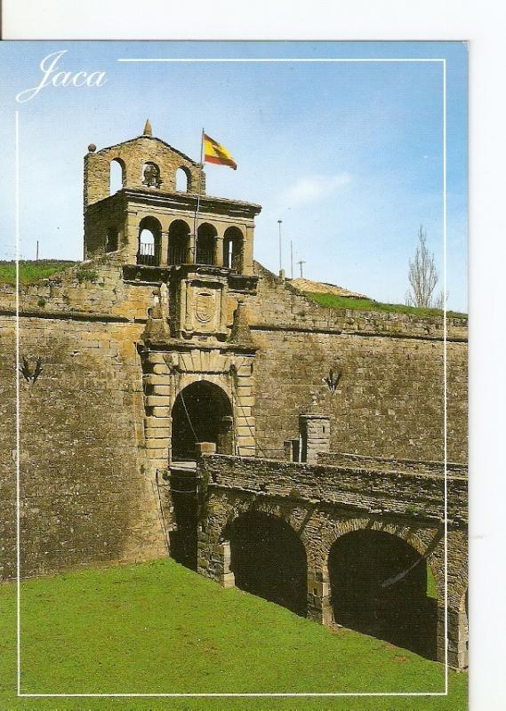 Postal 029439 : Jaca (Huesca) Pirneo Aragones. Entrada principal de la Ciudad...