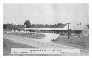 Strongs Michigan~Brattains Motel~1950s B&W Postcard