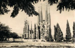 Spain Barcelona Templo Exp de la Sagrada Familia Gaudi RPPC 01.78