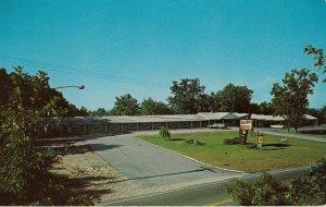 DAYVILLE , Connecticut, 1950-60s ; Bun Aire Motel