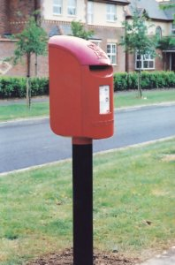 Towcester Northampton Type N 1999 Post Pillar Letter Box Postcard