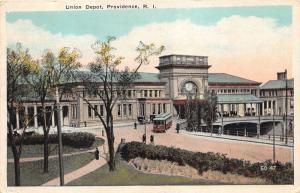 Providence Rhode Island~Union Depot~Trolley in Street~Pedestrians~1925 Postcard