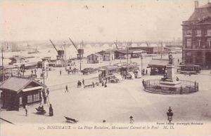 France Bordeaux La Place Richelieu Monument Carnot et le Pont