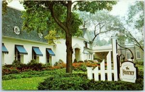 Park Ridge, Illinois Postcard THE PANTRY RESTAURANT - 718 Garden Street Roadside