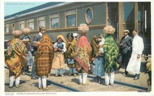 C-1910 Pueblo Indian Maidens Pottery railroad  Detroit Publishing Phostint 9025