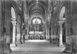 Italy Modena Duomo Interno Cathedral Interior view