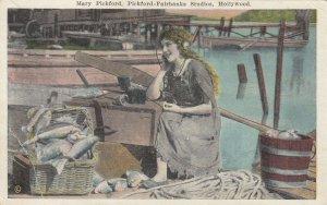 HOLLYWOOD , California , 1910-20s ; Mary Pickford , Pickford-Fairbanks Studio