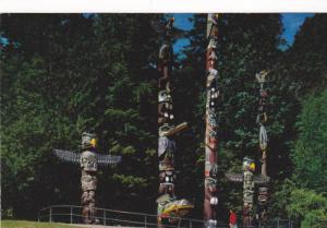 Native American Indian Totem Poles, Stanley Park, Vancouver, British Columbia...