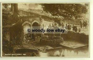 tp0033 - Dorset - Gathering around The Wishing Well c1938, in Upway - Postcard