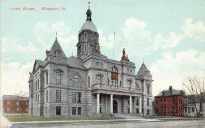 LPS37 WATERLOO Iowa Court House Postcard