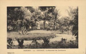 CPA Dahomey Afrique - Cotonou - Le Monument des Combattants (86734)