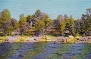 Michigan Champion Rose-Art Lodge On Lake Michigamme