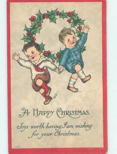 Pre-Linen christmas BOYS HOLDING HANDS BY THE HOLLY WREATH HQ6902