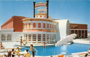 7717  NV Las Vegas The Showboat Hotel  poolside