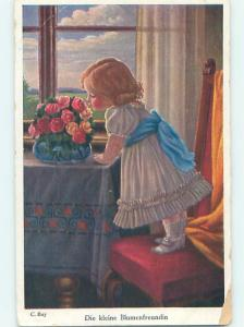 Pre-Linen foreign CUTE GIRLS STANDS ON CHAIR TO SMELL THE FLOWERS HJ4313