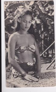 ILE PITCAIRN (Jeune fille triant du cafe [ Coffee] ), PU-1950s; ADV for PLASMARI