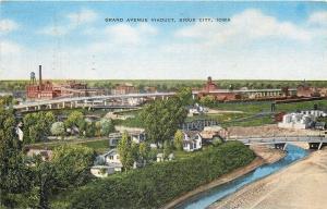 Sioux City Iowa~Grand Avenue Viaduct~Homes~Factory~Bridges~1940s Linen Postcard