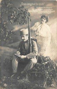 H79/ Interesting France RPPC Postcard WWI c1918 Woman Love Soldier 174