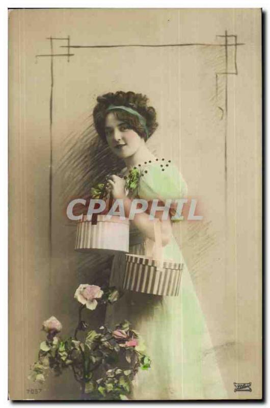 Fantaisie - Femme - Woman carrying hatbox (carte hongroise Hungary Hongrie) - CP