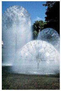 NEW ZEALAND Postcard - Christchurch, Ferrier Fountain (C13) Continental Size