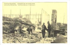 Brussels, Belgium, Aout 1910  Bruxelles-Kermesse. La fontaine du  CRACHEUR   ...