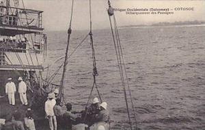DAHOMEY . 1910s ; COTONOU.-Debarquement des Passagers