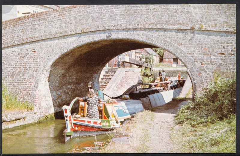 Northamptonshire Postcard - Blue Line Carriers Butty Lucy at Braunston 1025