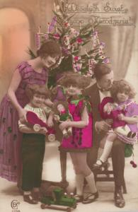 RP; Christmas tree & kids holding toys , 00-10s