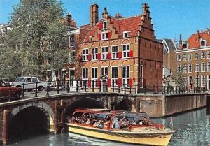 Netherlands Amsterdam Het huis aan de Drie Grachten Pont Voitures Bateau