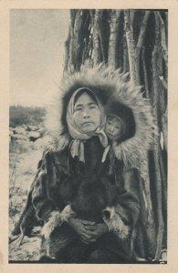 ALASKA, 1910s; Aurore Boreale-Cercle Arctique - Woman & Child