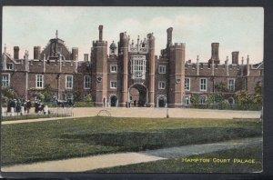 Middlesex Postcard - Hampton Court Palace  HM148