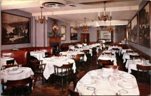 Restaurant postcard Washington DC, Billy Martin's Carriage House interior