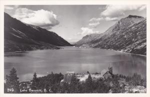 RP: Lake Bennett , B.C., Canada , 20-30s