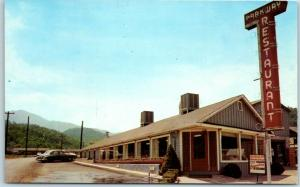 Gatlinburg, Tennessee Postcard PARKWAY RESTAURANT Roadside c1950s Chrome Unused