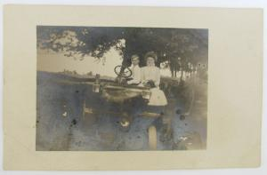 Selten RPPC Antik Echt Foto Postkarte Romantische in der Alte Auto Auto