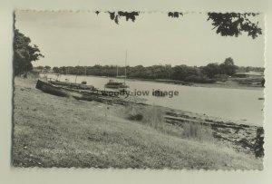 iw0131 - Wootton Creek , Isle of Wight - postcard by Dean