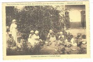 Dejeuner des Internes a Palime, Togo, 00-10s