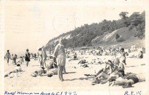 G21/ Frankfort Michigan RPPC Postcard Beach Lake Michigan Bathers