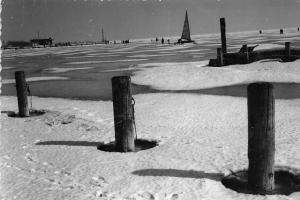 Hungary Udvozlet a Balatonrol, Winter Fronze Lake Balaton