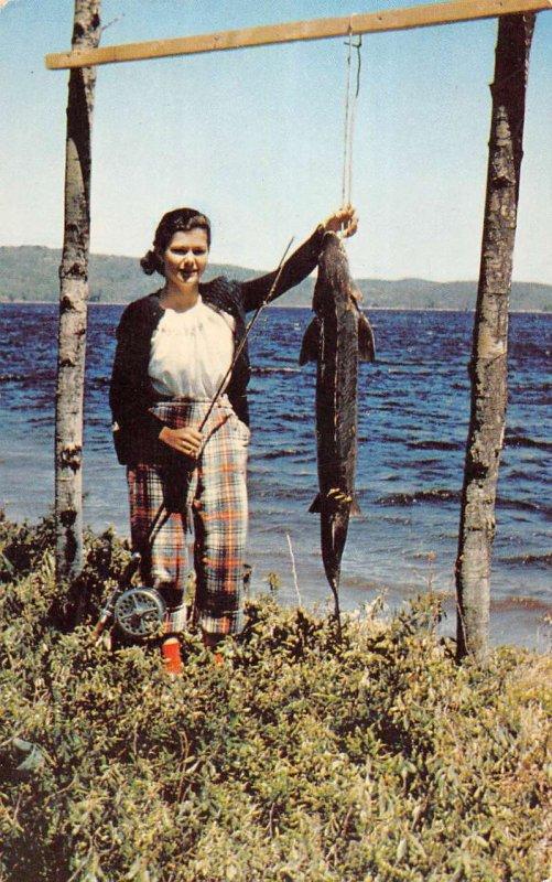 Maniwaki Que. Canada Baskatong Lake woman with fish vintage pc ZD549957