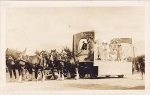 RP; Parade, WINNIPEG, Manitoba, Canada, 1931; Horse-drawn Float with 8 Ladies