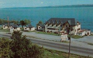 NEUVILLE , Quebec , Canada, 50-60s ; Castel Vauquelin Hotel-Motel