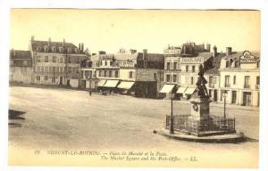 Nogent-le-Rotrou , France , 00-10s : Place du Marche et la Poste