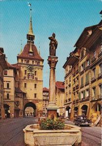 Switzerland Bern Kaefigturm mit Anna-Seiler-Brunnen