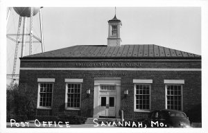 F52/ Savannah Missouri RPPC Postcard c1950s Post Office Building