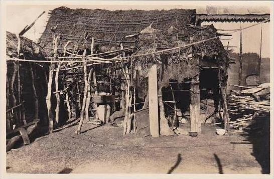 Djibouti Village Indigene Interieur d'une case Photo Postcard