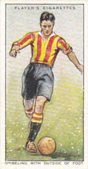 Cigarette Card Player Association Football Hints 1934 No 20 Dribbling With Ou...