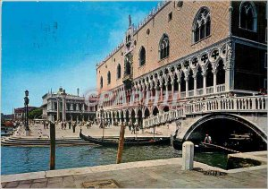 Postcard Modern Venice Palazzo Ducale and the dock