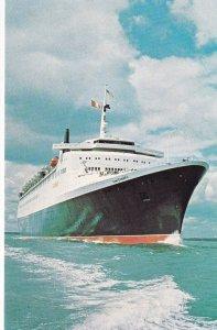 ENGLAND, 1950-1960s; Cunard Queen Elizabeth 2
