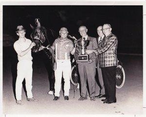 SCIOTO DOWNS, MARLU PRID In The Winners Circle, Harnesss Horse Race